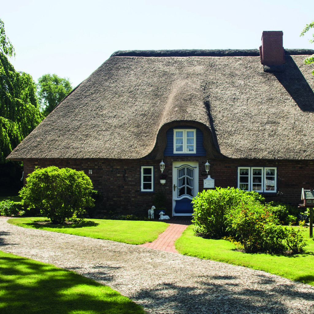 cottage-with-thatched-roof